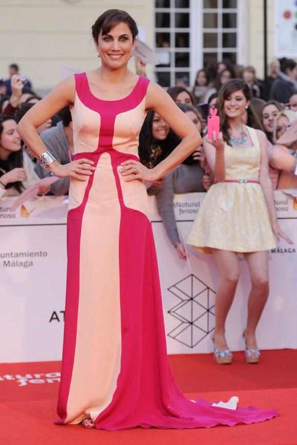 Toni Acosta con un vestido de Nacho Aguayo