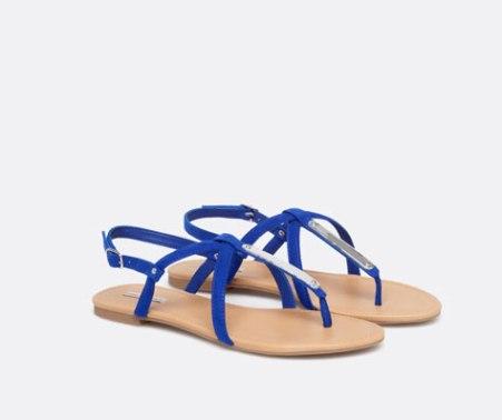 Sandalias azules de Oysho, 19,99€