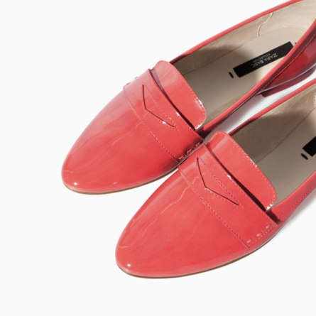 Slippers de Zara por 19,95€ en color coral