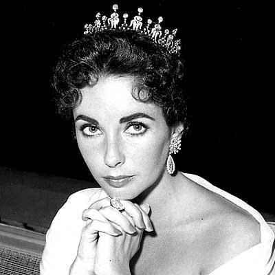La actriz Elizabeth Taylor en su paso por el festival en 1957, toda una princesa