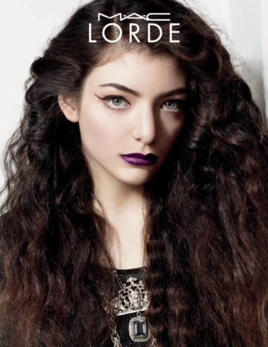 La cantante Lorde creó una peculiar colección de cosméticos para MAC