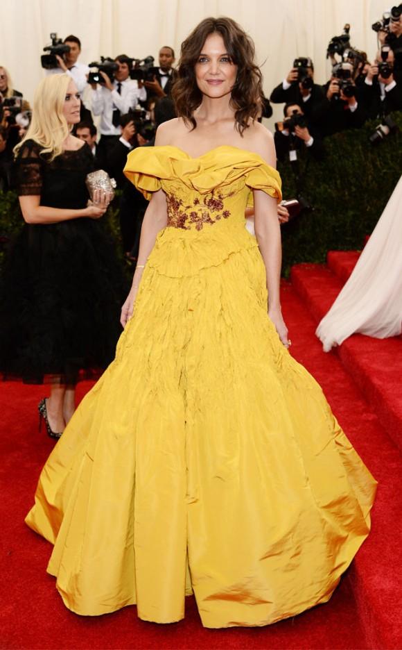 Katie Holmes, demasiado excesiva con un Marchesa que recordaba a la princesa Disney Bella