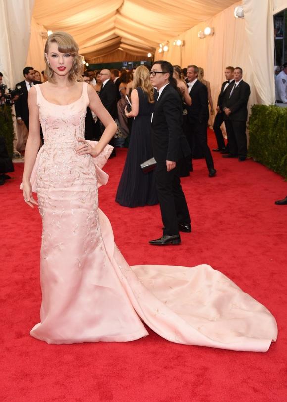 Taylor Swift de Oscar de la Renta
