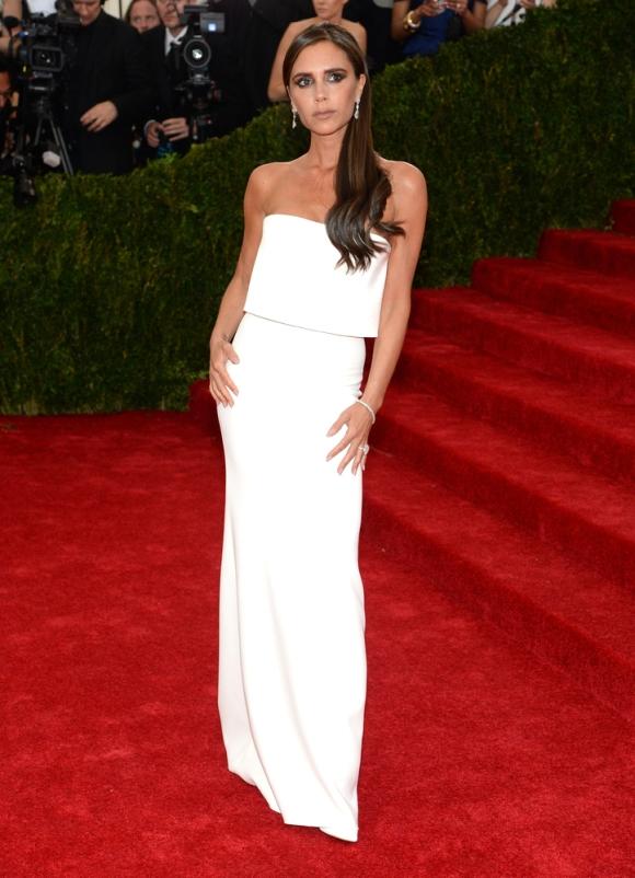 Victoria Beckham con un diseño propio