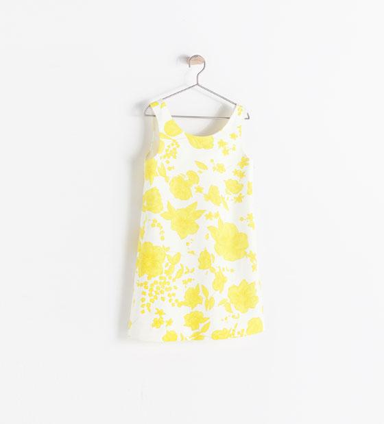 Vestido estampado en amarillo 25,95€