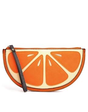 Con un diseño frutal de New Look. De venta en ASOS por 14,07€