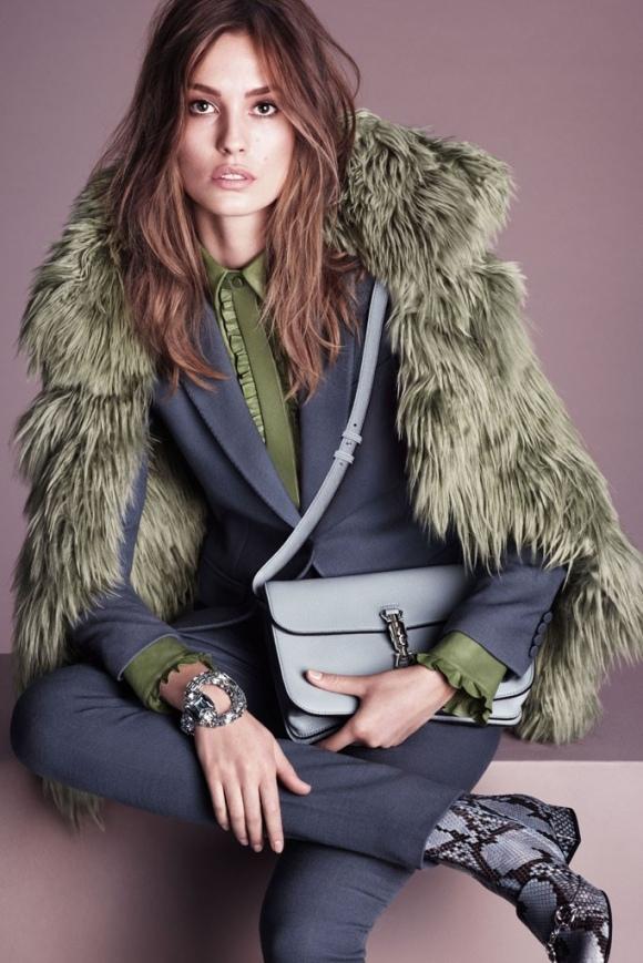 Gucci propone para la próxima temporada abrigos de pelo, pero no de los colores habituales