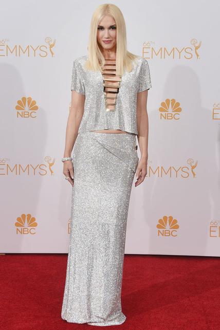 Gwen Stefani lució este diseño plateado de Versace