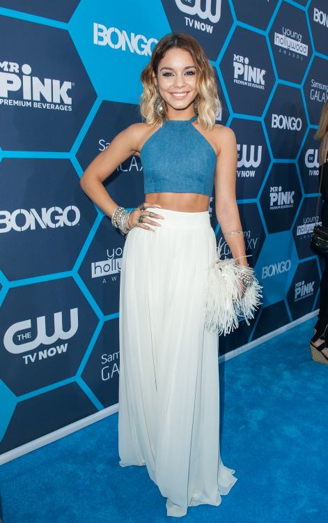 Vanessa Hudgens fiel a su estilo boho en los Young Hollywood Awards